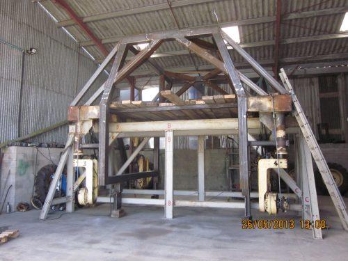 Construction Récolteuse enjambeur n°2 dans les ateliers du MENUZE